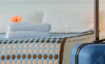 TOP_bed-bugs-hotel-room-1